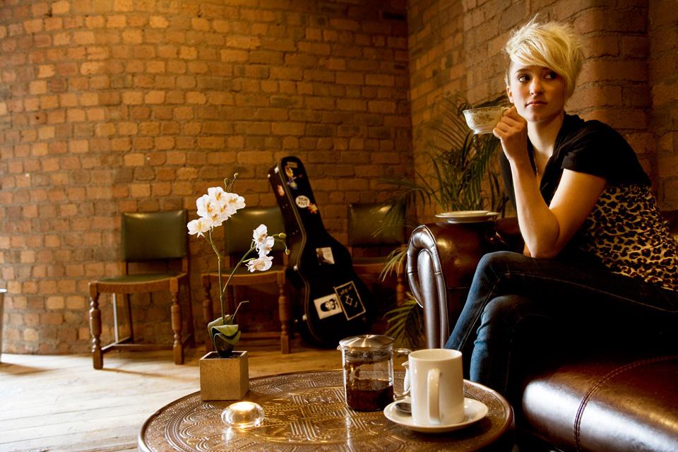 Leaf tea café